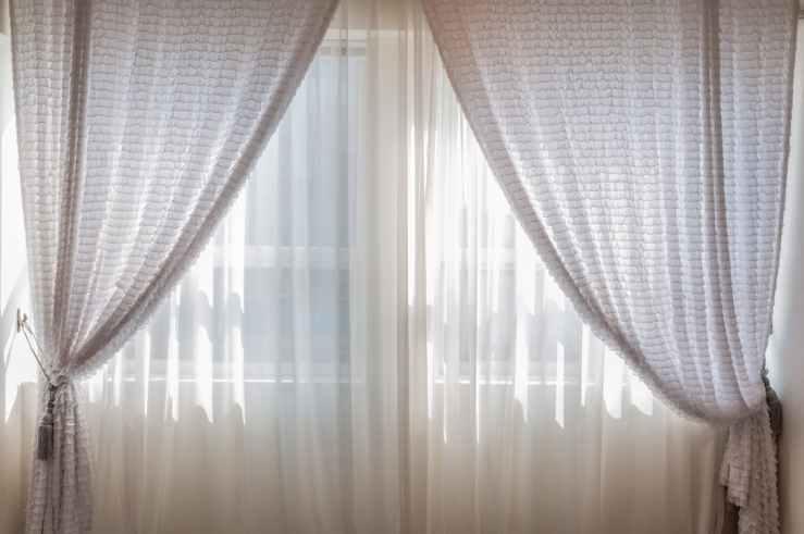 4 curtain